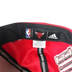 adidas Accessories - 🎩 Adidas Chicago Bulls snapback Hat Red and White